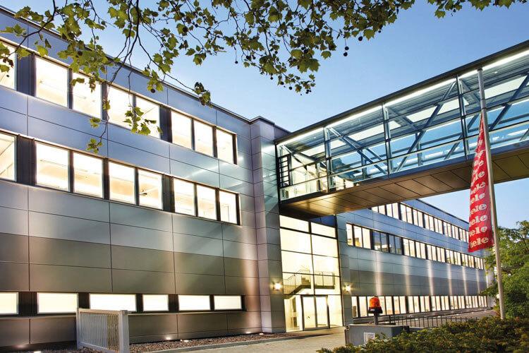 Miele GmbH & Co. KG überträgt dem Managed-Services-Team von Net at Work den Betrieb und die Wartung ihrer über 100 Standorte verteilten E-Mail-Infrastruktur.