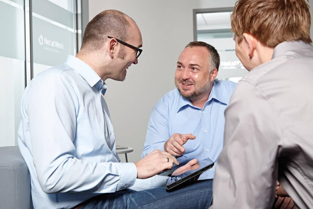 Für jedes Projekt finden sich die passenden Mitarbeiter in Teams zusammen und bringen ihr spezifisches Wissen ein.