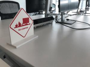 No Camping Schild Microsoft Zentrale München