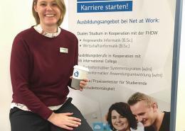 Daniela Henkenötter von Net at Work beim Tag der offenen Tür an der FHDW Paderborn
