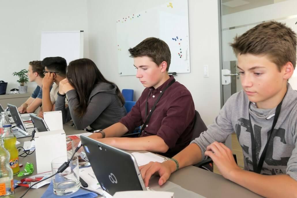 Ferienprogramm bei Net at Work 2017. Schüler erkunden Berufsfelder der IT