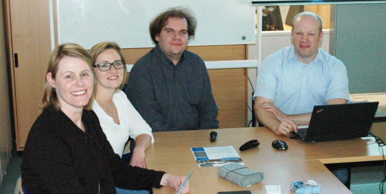 Daniela Henkenötter, Tizia Ruhr, Lars Fenhomberg und Stefan Schnietz beim git Vortrag