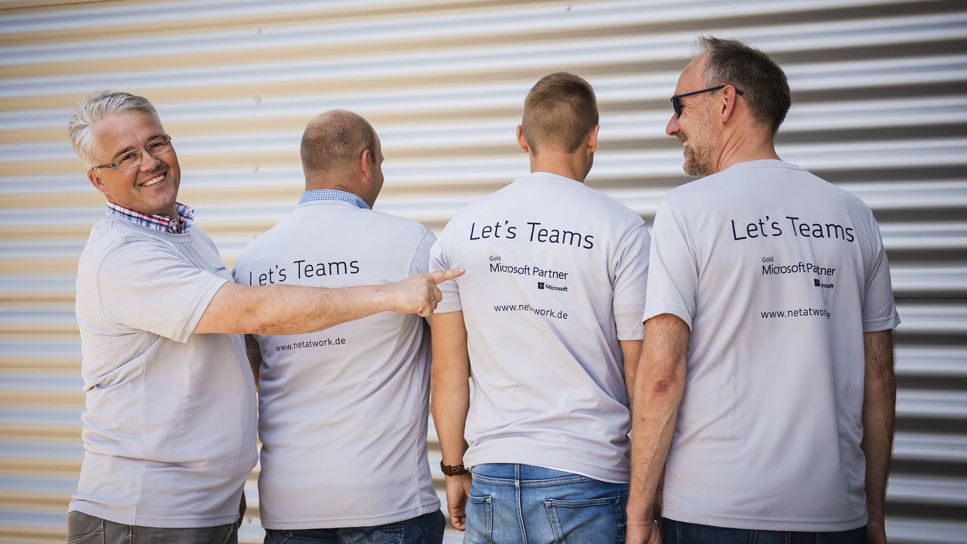 Frank Carius und Uwe Ulbrich in Let's Teams-Shirts